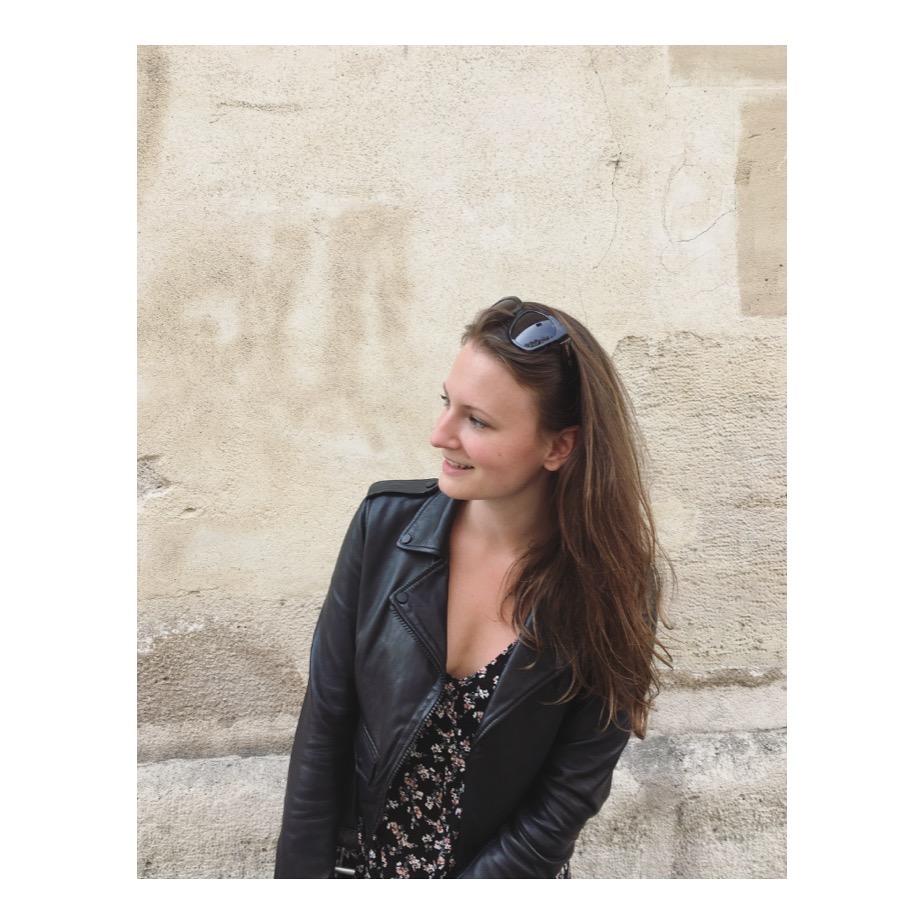 Mara Kim in Paris